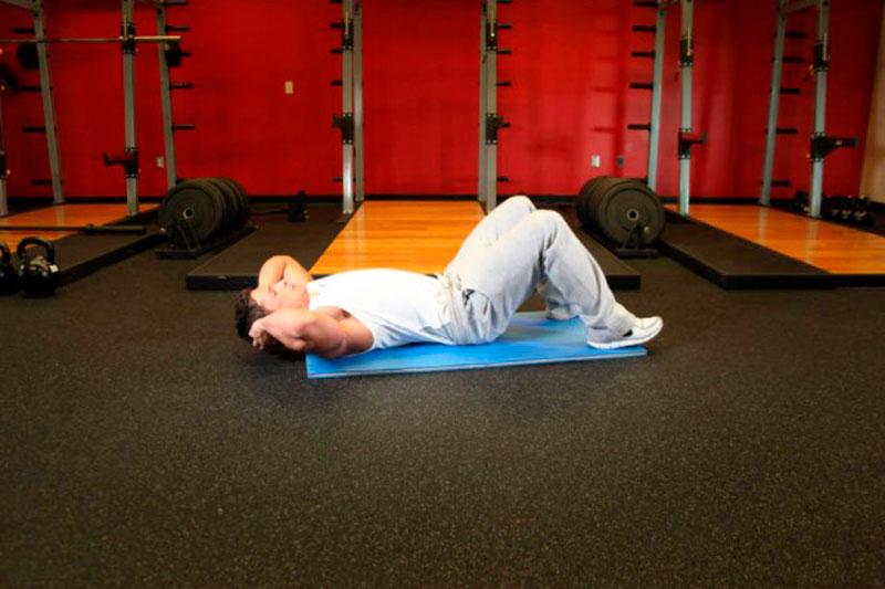 Упражнение «Поднятие шеи лёжа»